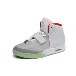 Nike Yeezy 2 белый с серым
